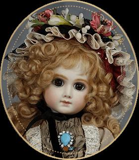 A・TAT06アートギャラリーライフが管理しているビスクドールのうち、理知的な瞳と怜悧な美しさを持つA・Tをご紹介いたします。