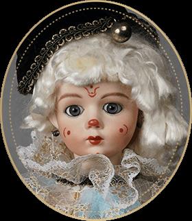 ピエロCP05アートギャラリーライフが管理しているビスクドールのうち、A・マルクのヘッドを使用した神秘的な表情が魅力のピエロをご紹介いたします。