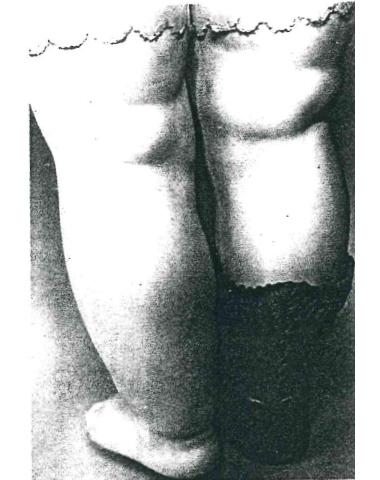 細部まで極めてリアルに作られたビスク製の足